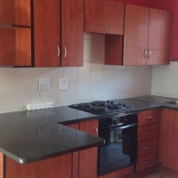 TOWN HOUSE FLAT IN SECURE COMPLEX MOUNTAIN VIEW PRETORIA